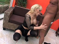 This nasty blonde woman has sex like a wild one