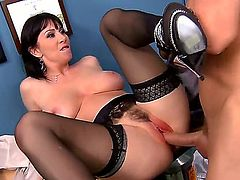 RayVeness wants to cheer up Dr. Sins, because he is sick and tired of looking after his patients. RayVeness, like all whores, knows exactly how to make him fully satisfied. Enjoy