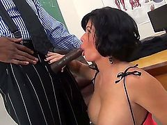 This is not the first time when Sean Michaels feels really impressed by what he sees in front of his dick. The big lip bitch Shay Fox wants to devour his black pipe completely.