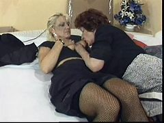 Ellen and Rosemary are not young anymore but these cunts have a lot to offer. The are experienced and horny so let's sit back relax and enjoy this classic porn. While Rosemary spreads her legs Ellen gives her some pleasure by rubbing that saggy pussy with a sex toy and then fingers it. Things get naughtier!