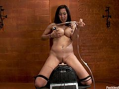 Isis Love wants to try out the dick riding sex machine. Watch this MILF with big tits getting banged hard in this clip while she is tied up!