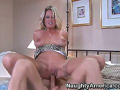 There are not many pornstars like blonde busty Bridgett Lee, that is for sure and her cock sucking skills are fucking amazing. Her beaver needs some banging now!