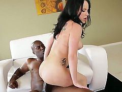 Brunette beauty Katie St. Ives loves pleasing black hunk Lexington Steele