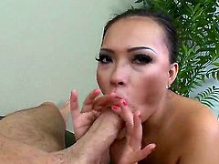 Super horny and exciting Asian brunette Gia Grace presents her own amazing blowjob! She starts with sensual and gentle elements and becomes hard in the end. Enjoy!