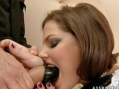 Whore Bobbie Starr does amazing deep throat