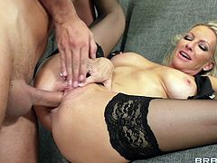 She likes big hard cocks and this guy has what she needs. The blonde mom takes full advantage of his dick and rides it like a mad whore. Look at her taking all that massive cock deep inside her pussy. Maybe the dude will cum inside her and fill her womb with a big load of semen
