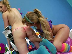 Kagney Linn Karter and Brooklyn Lee are two sweet ass lesbian chicks that give anal pelasure to each other. Pale skinned buxom girl Kagney Linn Karter gets her perfect ass tongue fucked by Brooklyn Lee!