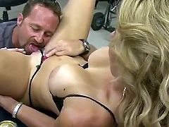 Blonde shows her slutty side in cumshot action