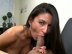 Brunette babe Nikki Daniels sucks and opens mouth to taste fresh cum