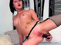 Teen Nova Black kills time dildoing her wet spot for cam