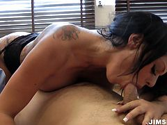 You are welcome here to cum watching jaw dropping babe like Kerry Louise in action. She pleases her pussy with fingers and after rides Jim Slip like sex insane bitch.