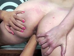 Brunette Denisa Heaven gets her vagina rubbed to orgasm by Iwia in lesbian action