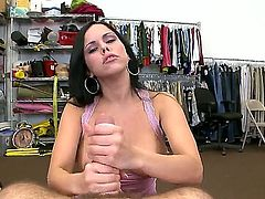 Inexperienced bombshell Diamond Kitty has great handjob experience with horny hard-dicked man