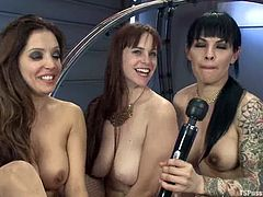 Two babes and a gorgeous tranny are in threesome