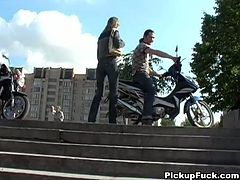 Frazzle Russian amateur gives a mouth fuck to aroused wanker