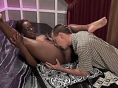 Miss Platinum knows how to take oral sex to the whole new level