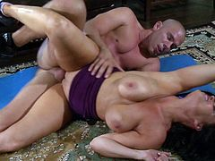 Horny brunette milf gets fucked hard by her gym trainer who likes hearing her moan