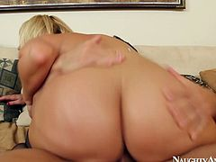 Ardent blond head has awesome huge ass, which moves up and down while kinky gal gets absorbed with riding a stiff dick. Zealous busty nympho won't let the dude go till she sucks his tasty lollicock for sperm. Just be sure to cum at once along with Naughty America sex clip.