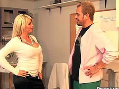 Wild brickhouse mommy Brooke Haven seduces doctor in her office. She gives him some head and gets her tight cunt railed right on the desk in doggy and missionary poses. Bitch gets on her knees and takes facial.