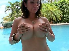 Beautiful chick Karrlie Dawn shows her gorgeous body and gets a dick