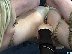 Coral Aorta gets humiliated by sexy Aiden Starr
