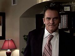 Evan Stone gives devilishly sexy April Oneils mouth a try in oral action