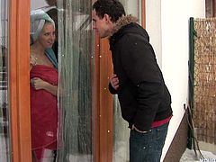 Sex greedy teen visits his long-term mistress that lives next door. He catches her wrapped in the towel after taking shower so they start immediately making out.