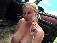 This jaw-dropping blonde hottie with enormous tits knows how to give a good blowjob! She gets down on her knees and gives her lover the best blowjob of his life.