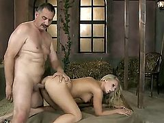 Blonde wench needs nothing but dudes hard rod in her snatch to get orgasm
