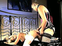 Blonde Brandy Smile gets unbelievable lesbian pleasure to Emma in girl-on-girl action