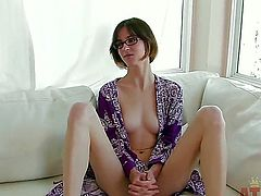 Brunette oriental Jay Taylor with small tities cant live a day without playing with her cunt