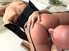 Omar Galanti loves Russian blondes perfect round ass. Gorgeous girl in black stockings gets her nice pink pussy touched and licked by hot blooded guy. She rides his tongue during facesitting.