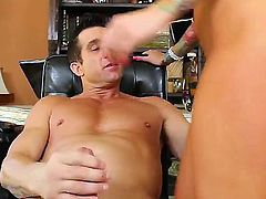 Billy Glide gets the chance to fuck Lolly Ink and he really does the perfect job in this video