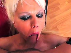 Elizabeth Tyler is curious about hard fucking