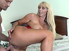 Bill Bailey gets pleasure from fucking breathtakingly hot Karen Fishers muff
