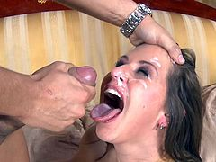 Wild Rachel Roxxx likes to swallow