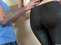 Katie Summers is a fair-haired slutty lady. Woman in black gets down on her knees in front of a horny guy and then takes his love torpedo in her hot mouth. She takes off her trousers after dick sucking.
