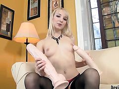 Ashley Jane has some time to play with her love tunnel