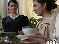 Check out this awesome murder mystery movie, where Samia Duarte, Sophie Lynx and Jessyka Swan enjoy hardcore anal pounding!