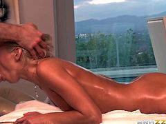 Skinny fat chested blonde Kacey Jordan takes off her panties after message therapist gets rub down session started. She touches her small firm ass and fingers her bald pussy. Oiled up babe gets turned on and then takes his stiff dick in her mouth.
