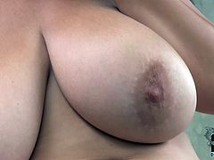 Thickalicious Caucasian woman has got giant natural tits and pawg booty. She is posing on cam teasingly. She also plays with her snatch solo masturbating in DDF Network hot sex video.