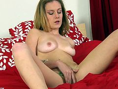 Taylor Dare shows you her tits before fingering herself