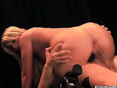 Lacie Heart gives unthinkable oral pleasure to hot guy by sucking his snake