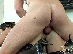 Busty milf with stunning body loves to fuck her pussy like never before in wild hardcore