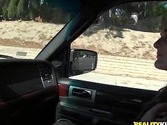 Watch could be more exciting than blowjob while car driving. Watch exciting car sucking job sex scenes for free. I would like my cock to be treated like this one.