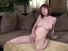 Check out this solo video where the sexy Zoey Nixon leaves you with a serious boner as she plays with herself.