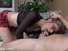 Gorgeous chick with glasses sucks guy off and gets her pussy stuffed with hard cock in this amateur video, check it out !