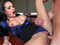 One of a kind milf Alektra Blue with big round firm hooters and long legs in sexy outfit seduces young fucker Daniel Hunter and gets wet minge licked to orgasm