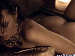 Sexy Indian slut dancing naked as she tries to seduce us with her erotic ways and super sexy body that is truly irresistible.