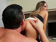 Enchanting hottie Rachel Roxxx sucks on Billy Glides large fat cock before he rewards her by licking her muff